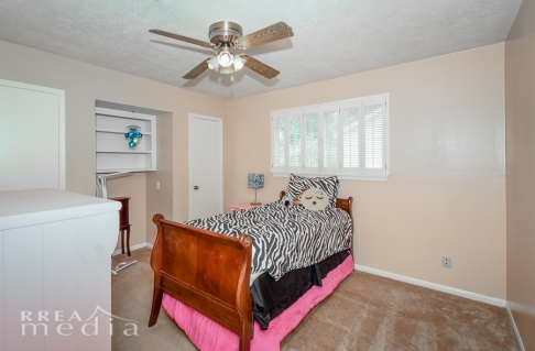 19519 Forest Fern Drive-18