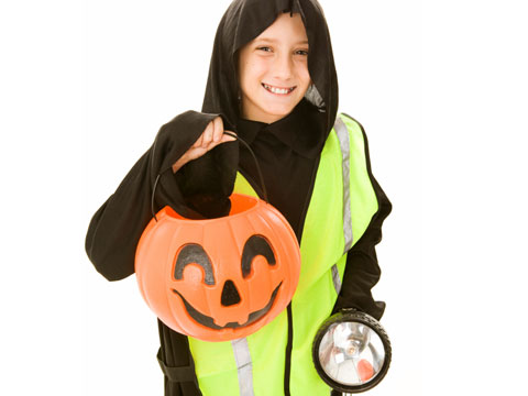 trick-or-treating-safety-tips-03-sl