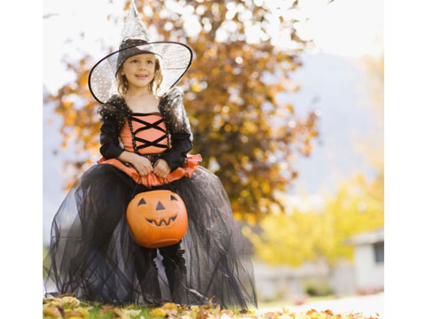 trick-or-treating-safety-tips-04-sl