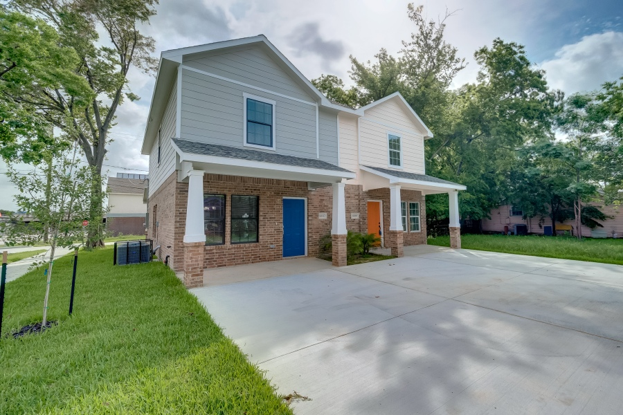 New Home Buyer – Investor Buy and Hold.  New Construction Duplex For Sale.  Buy one or Both  –   6501 A and B Stratton Street Houston Tx77023